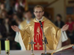 2009.06.10 — ks. Karol Warchoł COr — Msza św. prymicyjna (fot. Rafał C.)